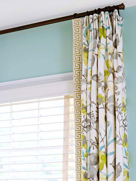 bhg-flowered-curtain